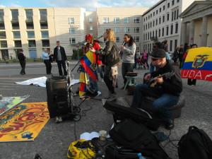 Berlin-Puerta-de-Brandenburgo-2015-i